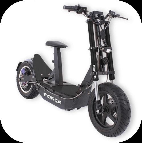 Patinete muy grande. Es prácticamente una moto eléctrica. Tiene una horquilla con suspensión igual que una moto, dos ruedas muy grandes y asiento.